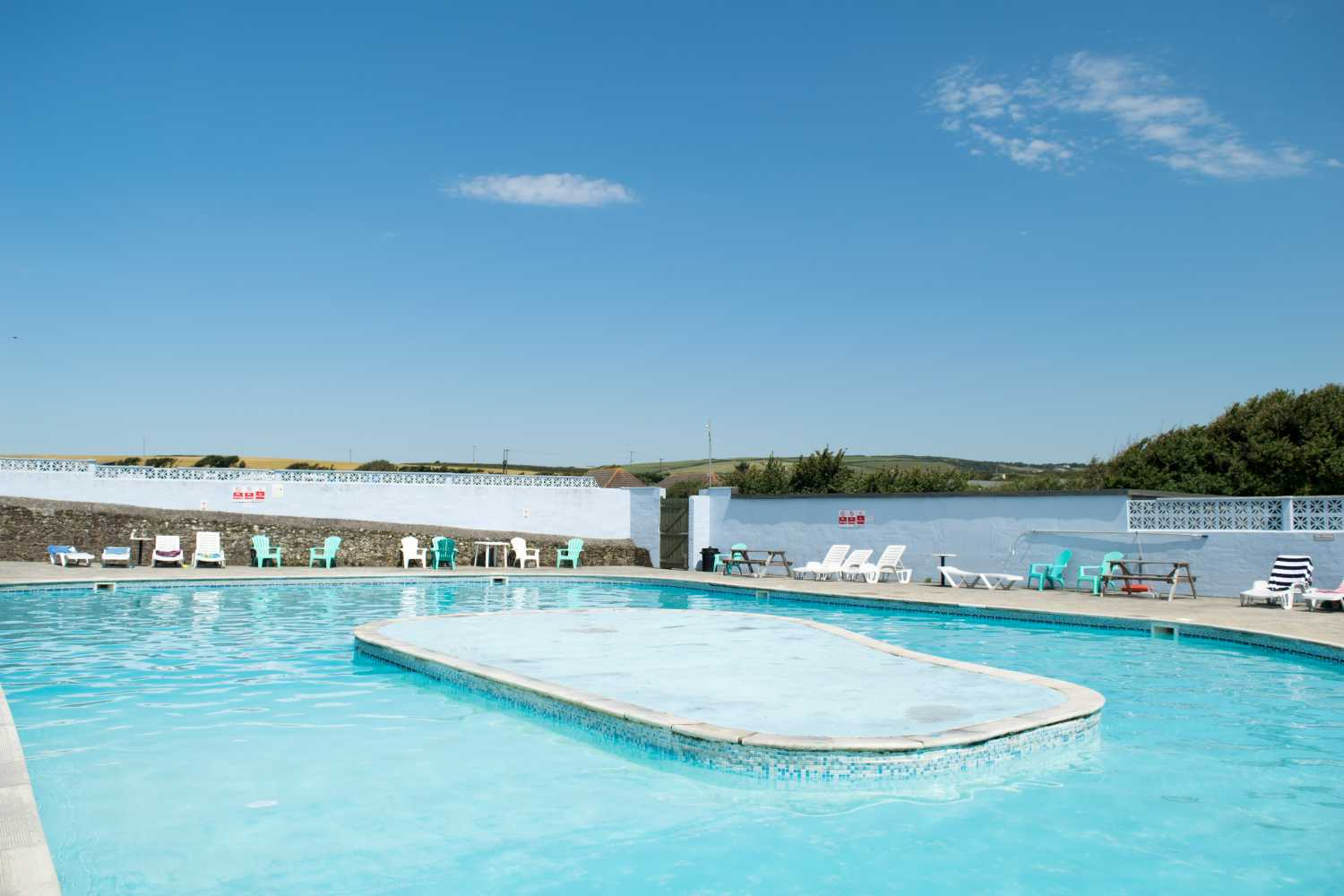 Bude holiday resort cornwall uk ex23 9ee your parks - Campsites with swimming pools near me ...
